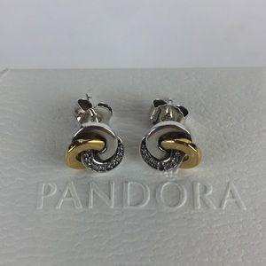 Pandora Interlinked Circles clear CZ Stud Earrings